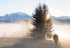 Lever du soleil sur le massif du Mont Blanc à Cordon