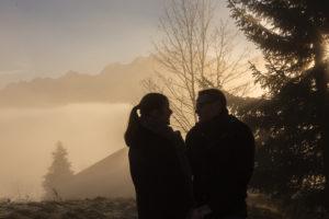 photo amoureux au lever du soleil sur le Mont Blanc