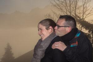 Séance photo couple au lever du soleil à Cordon