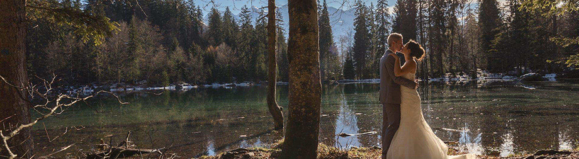 Photo des jeunes mariés au Lac Vert
